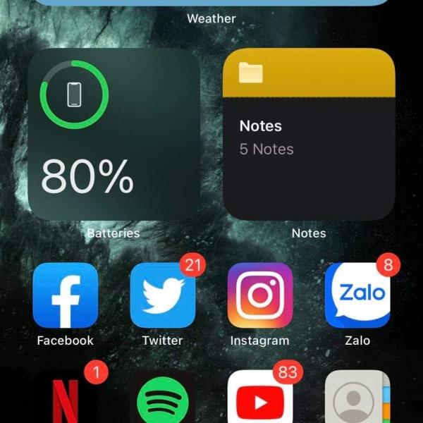 Điện thoại em cứ lên 80% là sạc ko vào nữa là sao ạ