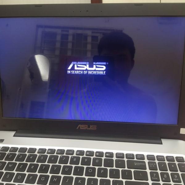 Laptop bật không lên hình cũng không tắt được chỉ hiện logo Asus