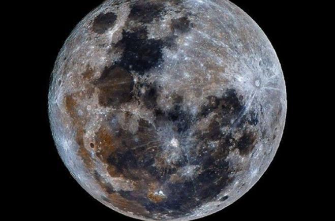 Mặt Trăng mỏ Oxy đầy tiềm năng trộn lẫn với bụi dưới dạng các ôxit